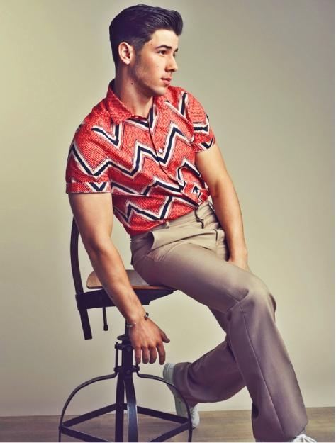 Nick Jonas Tetu 1